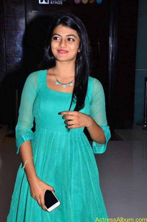Actress-Anandhi-latest-Photos-stills-pictures-1