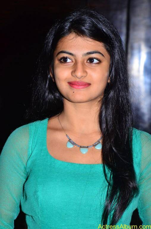 Actress-Anandhi-latest-Photos-stills-pictures-12