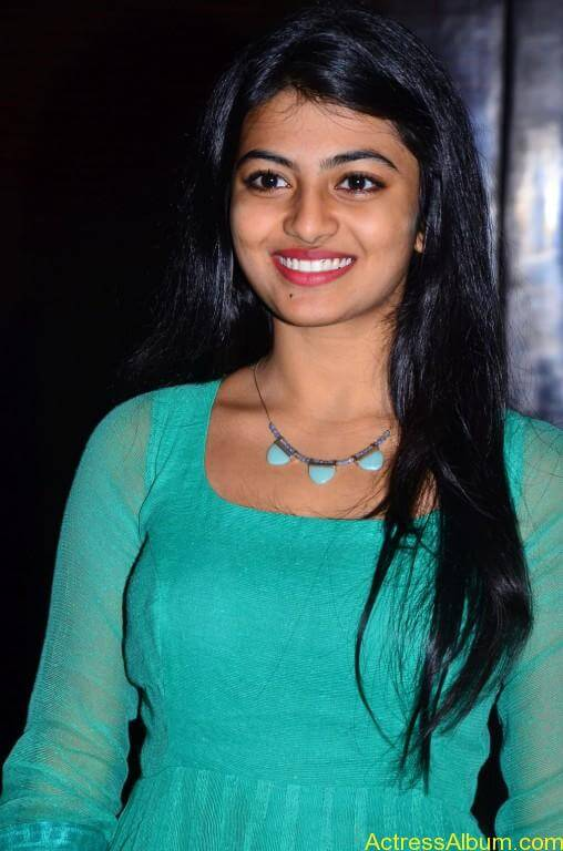 Actress-Anandhi-latest-Photos-stills-pictures-2
