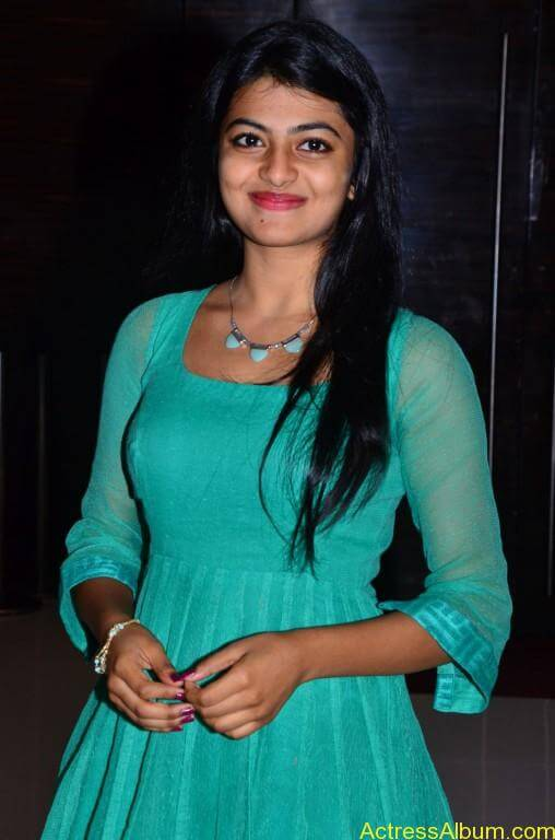 Actress-Anandhi-latest-Photos-stills-pictures-7