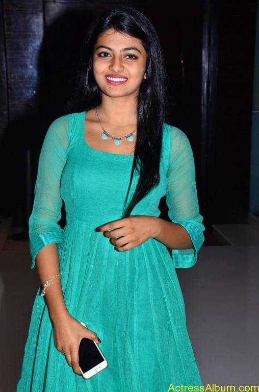 Actress-Anandhi-latest-Photos-stills-pictures-8