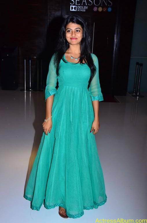Actress-Anandhi-latest-Photos-stills-pictures-9