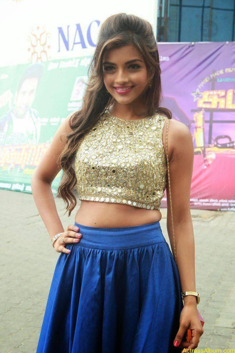 Actress Ashna Images - 7