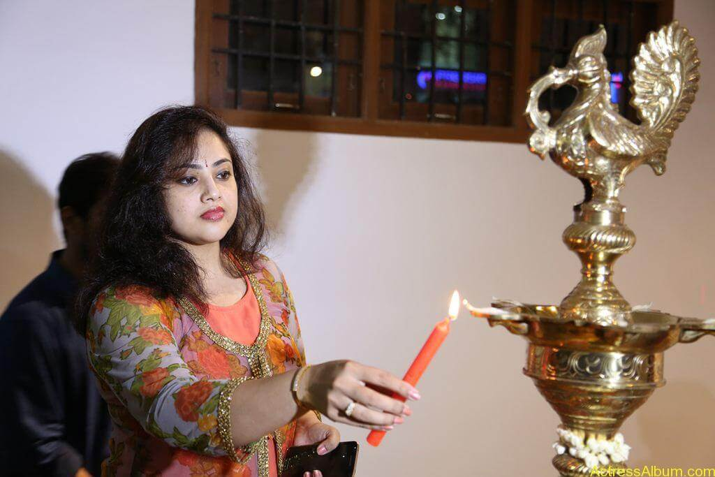 Actress-Meena-Latest-Photos-Stills-Pictures-5