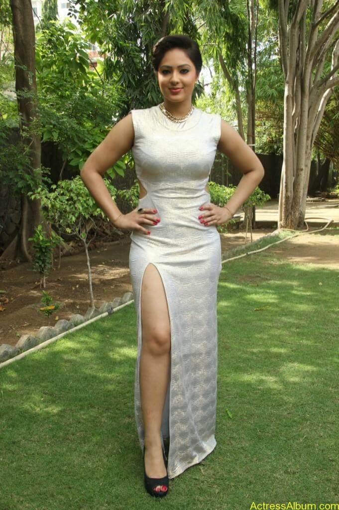 Actress Nikesha Patel Hot Stills - 6
