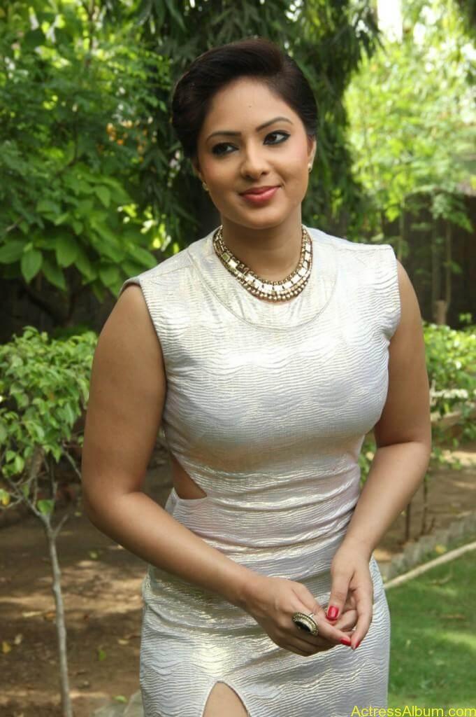 Actress Nikesha Patel Hot Stills - 7
