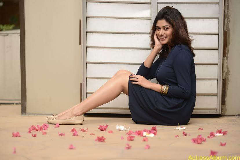 Actress-Oviya-new-hot-photo-shoot-Stills-2
