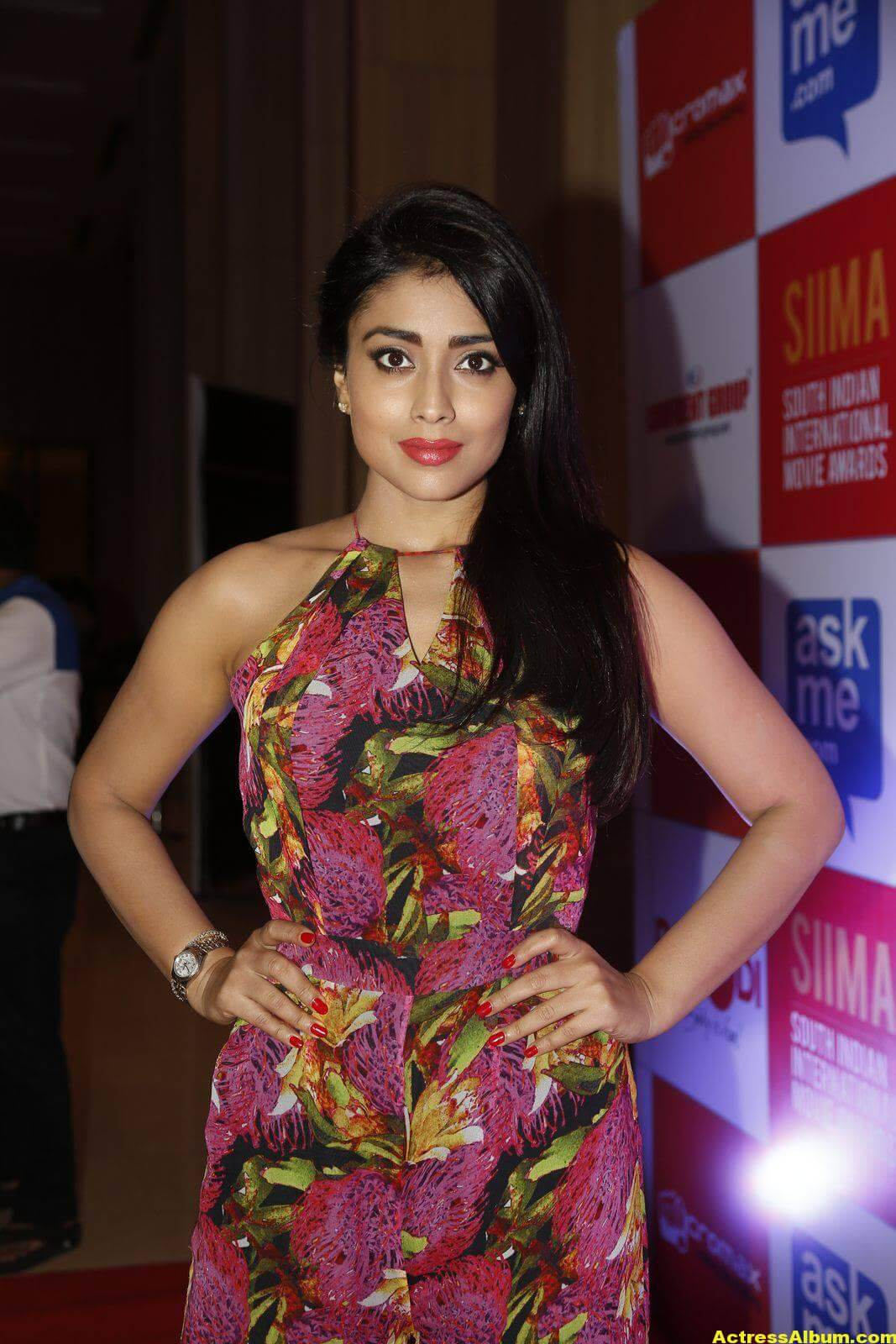 Actress Shriya Saran at SIMMA Awards-8