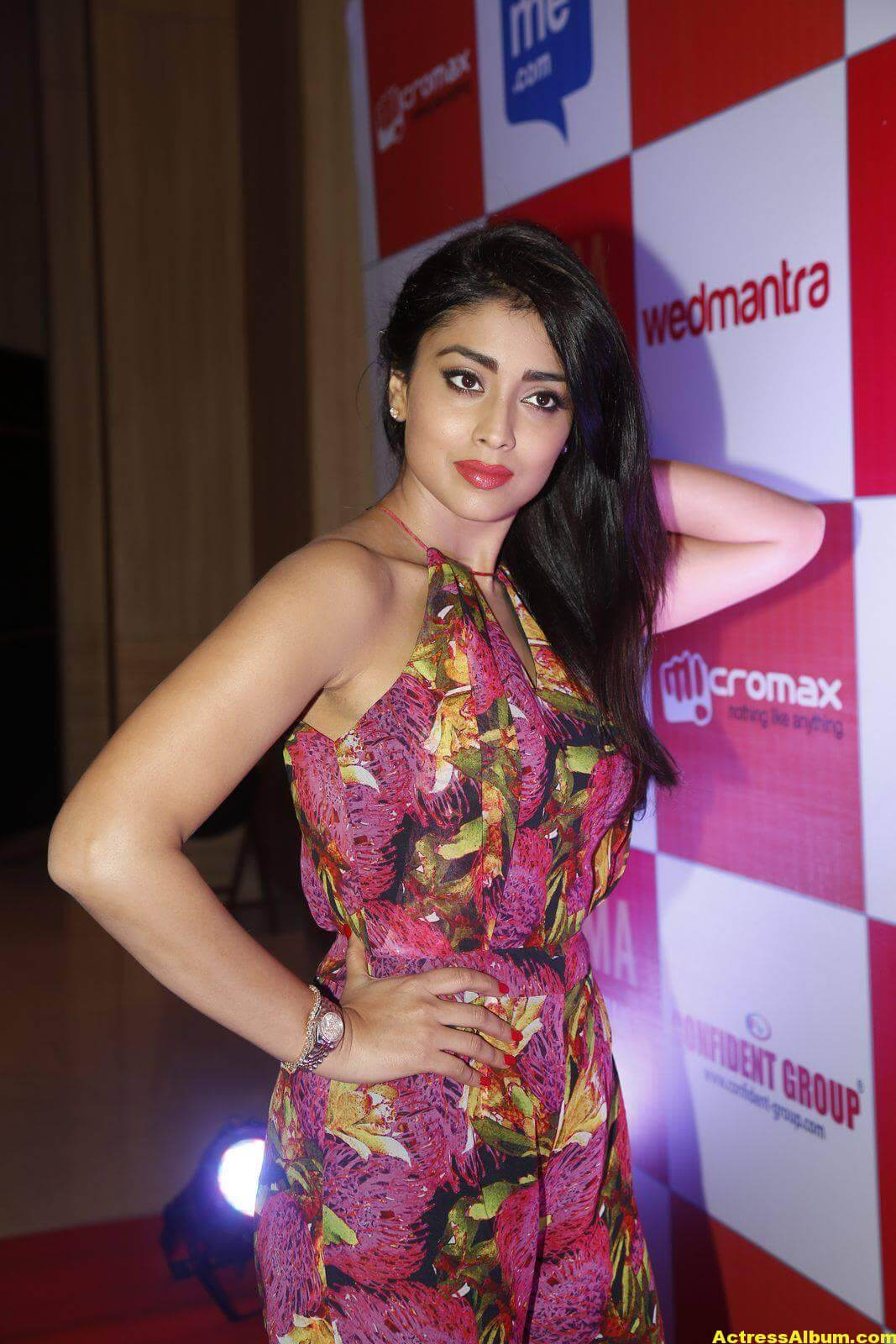 Actress Shriya Saran at SIMMA Awards-9