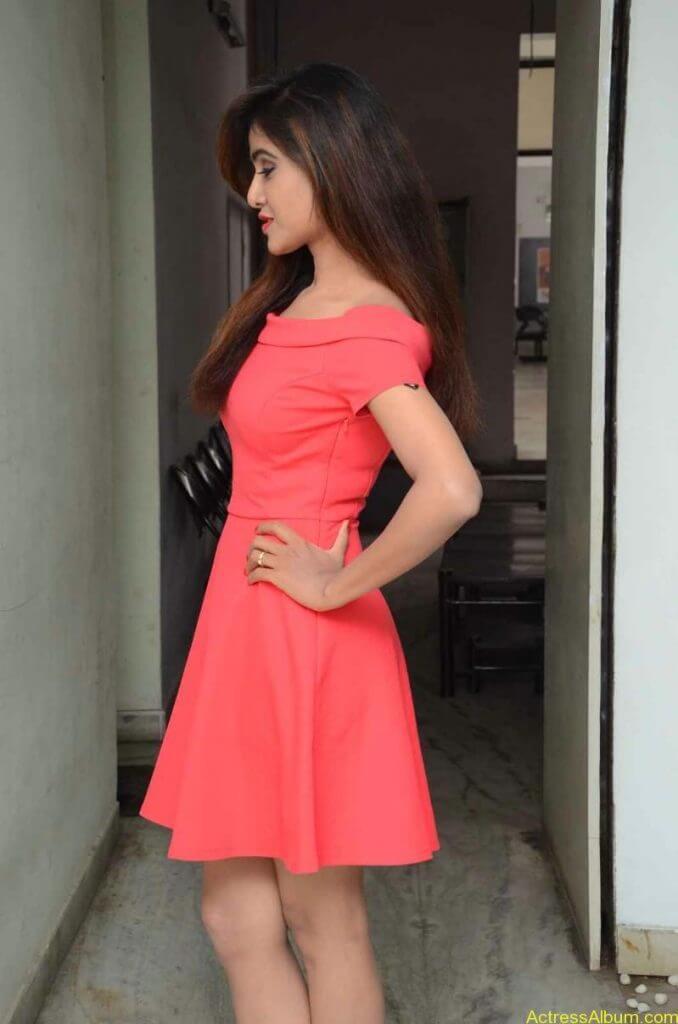 actress-soni-charishta-latest-stills (5)