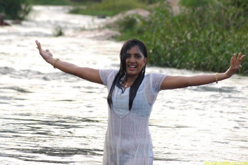Actress Srushti Dange Hot Transparent Pics-6