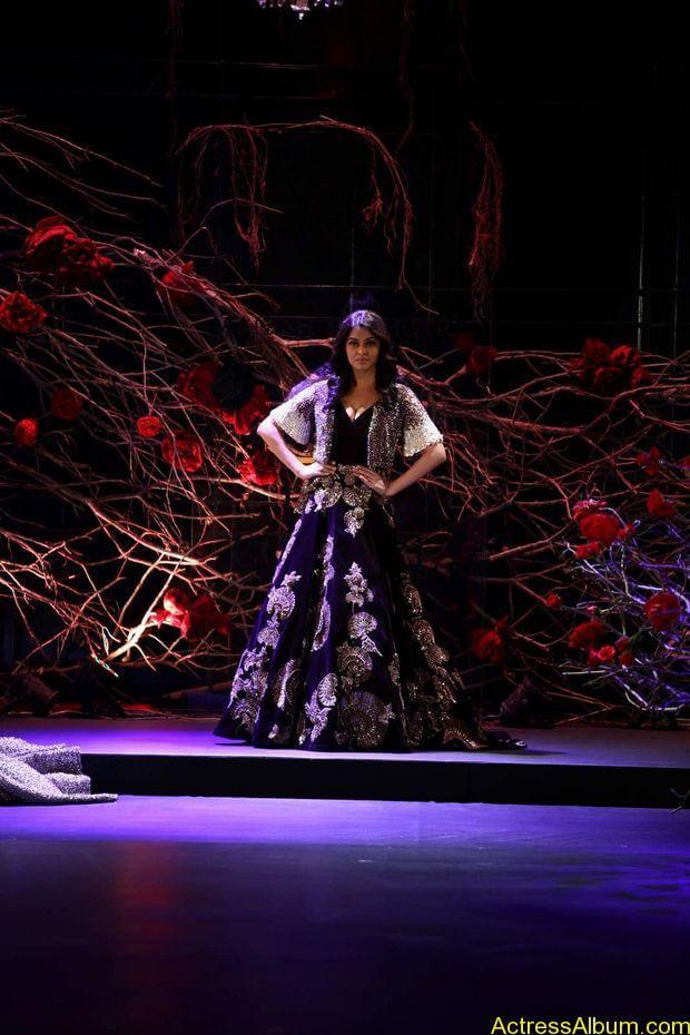 Aishwarya-Rai-latest-photos-stills-3