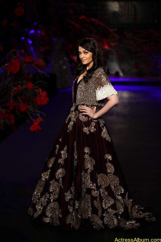 Aishwarya-Rai-latest-photos-stills-4