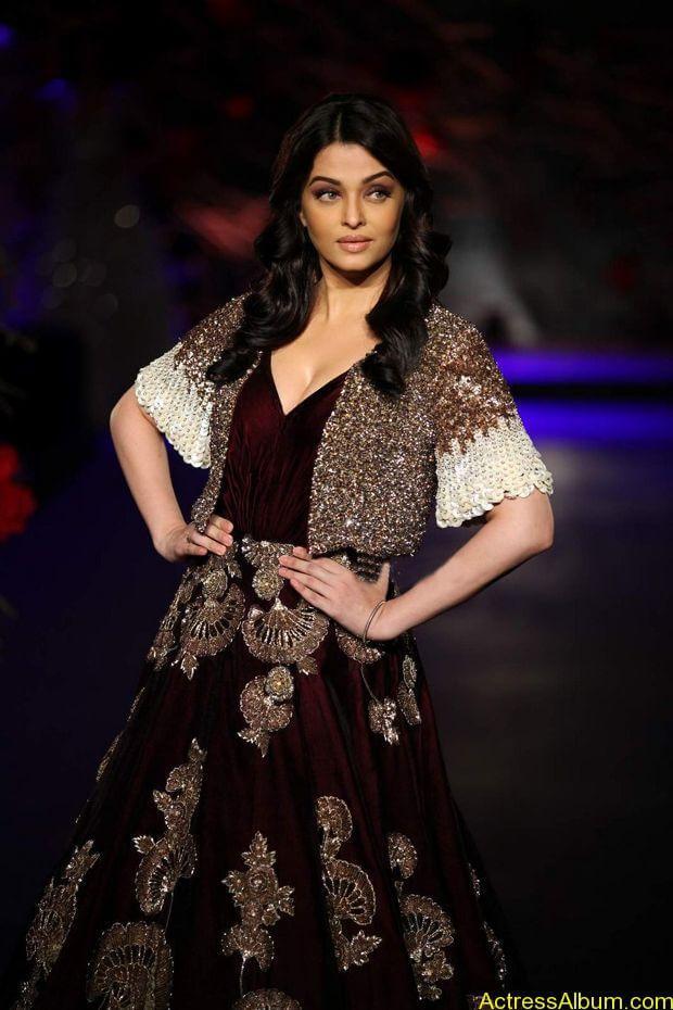 Aishwarya-Rai-latest-photos-stills-5