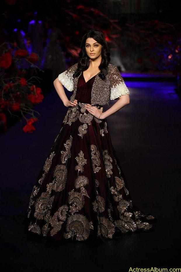 Aishwarya-Rai-latest-photos-stills-6