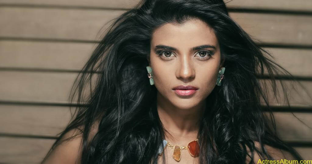 aishwarya-rajesh-new-photoshoot-stills-1