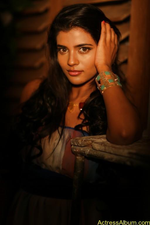 aishwarya-rajesh-new-photoshoot-stills-10