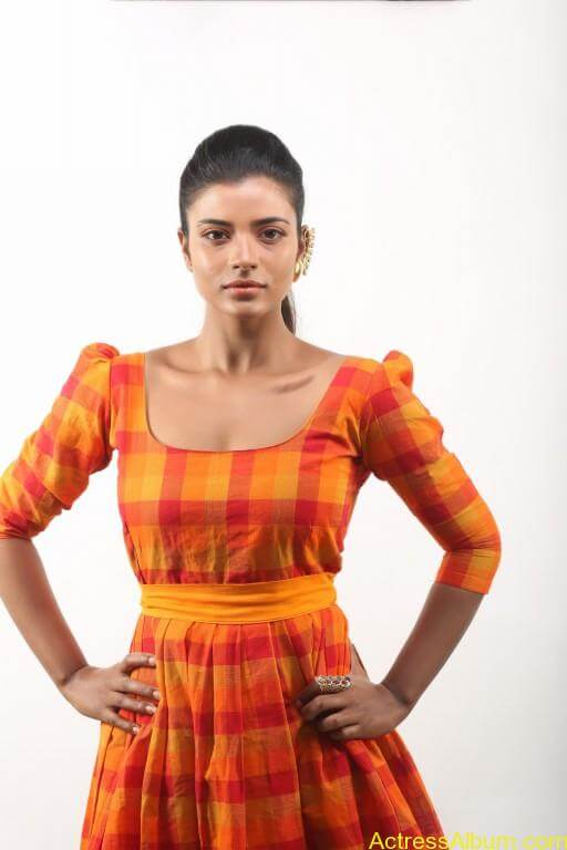 aishwarya-rajesh-new-photoshoot-stills-11