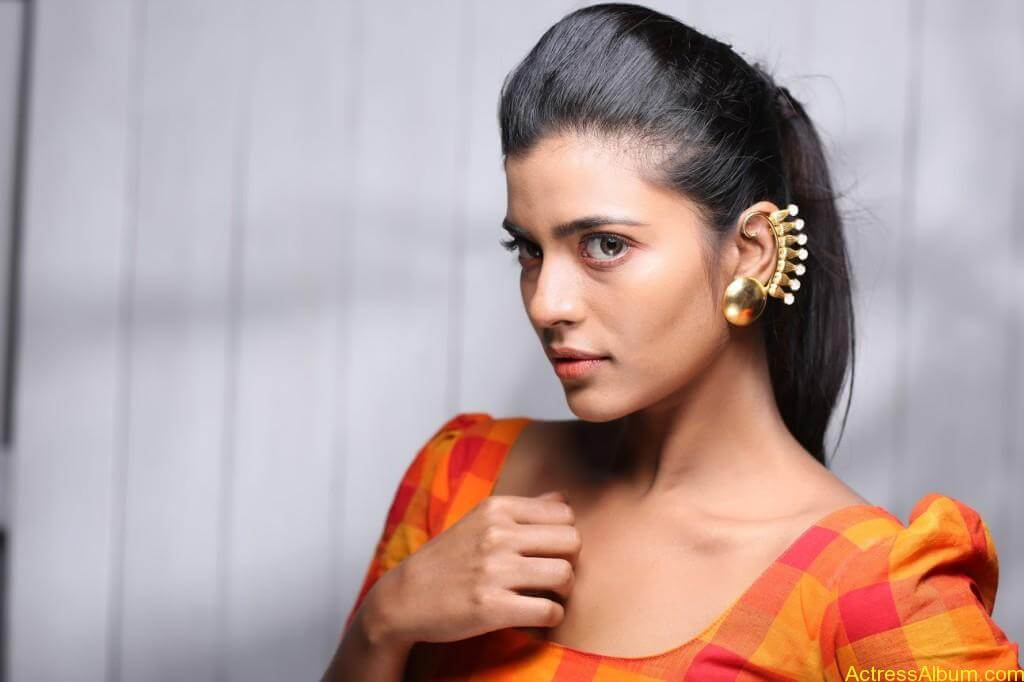 aishwarya-rajesh-new-photoshoot-stills-4