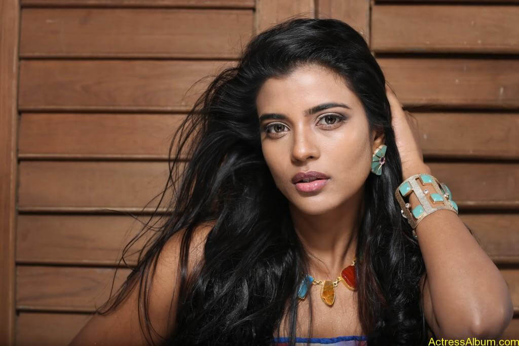 aishwarya-rajesh-new-photoshoot-stills-8