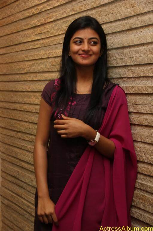 anandhi-latest-stills-1
