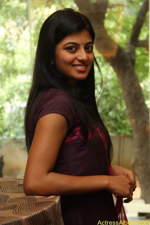 anandhi-latest-stills-10