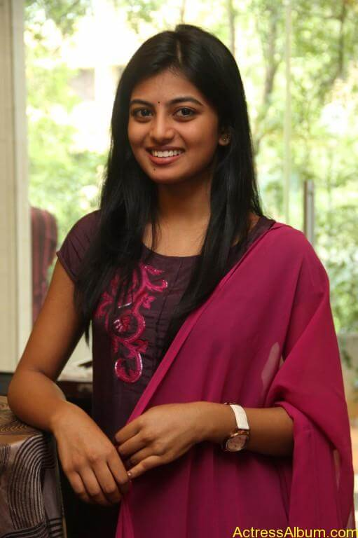 anandhi-latest-stills-11