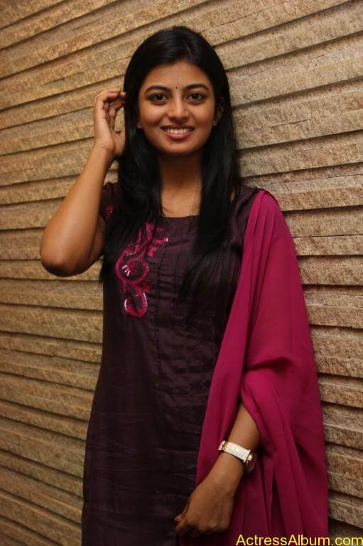 anandhi-latest-stills-12