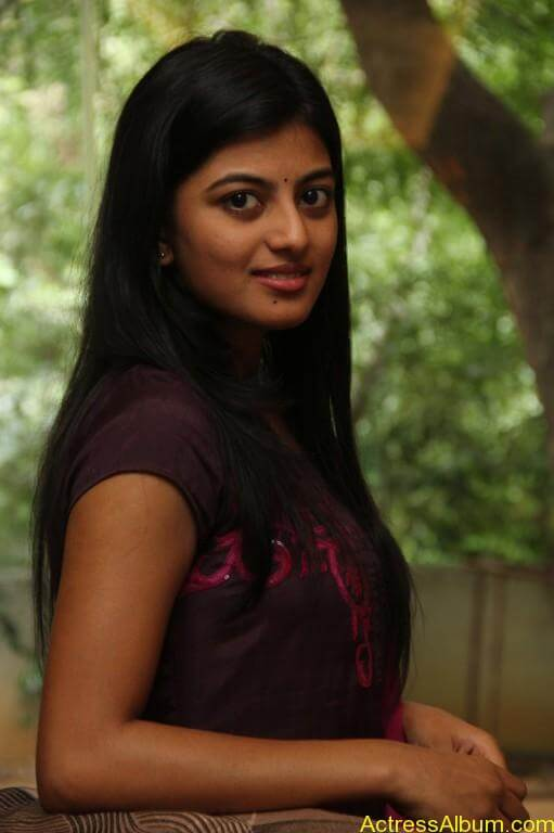 anandhi-latest-stills-8
