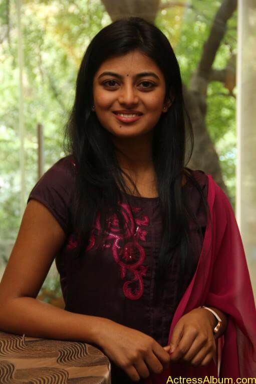 anandhi-latest-stills-9