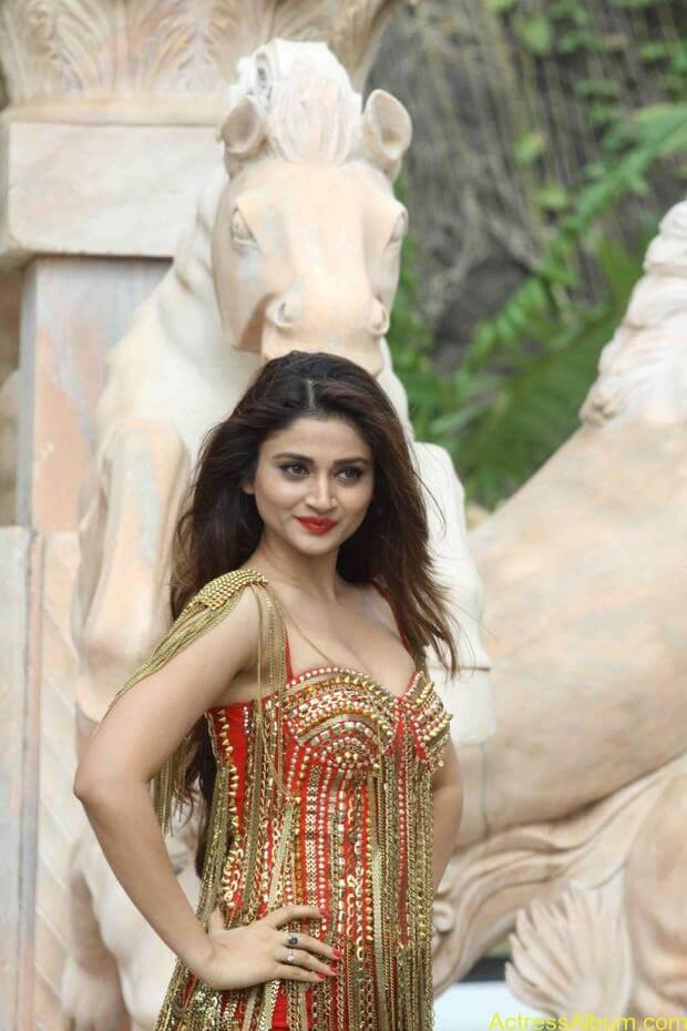 Ankita-Shrivastava-Hot-Stills-At-Welcome-Back-Movie-Photos-3