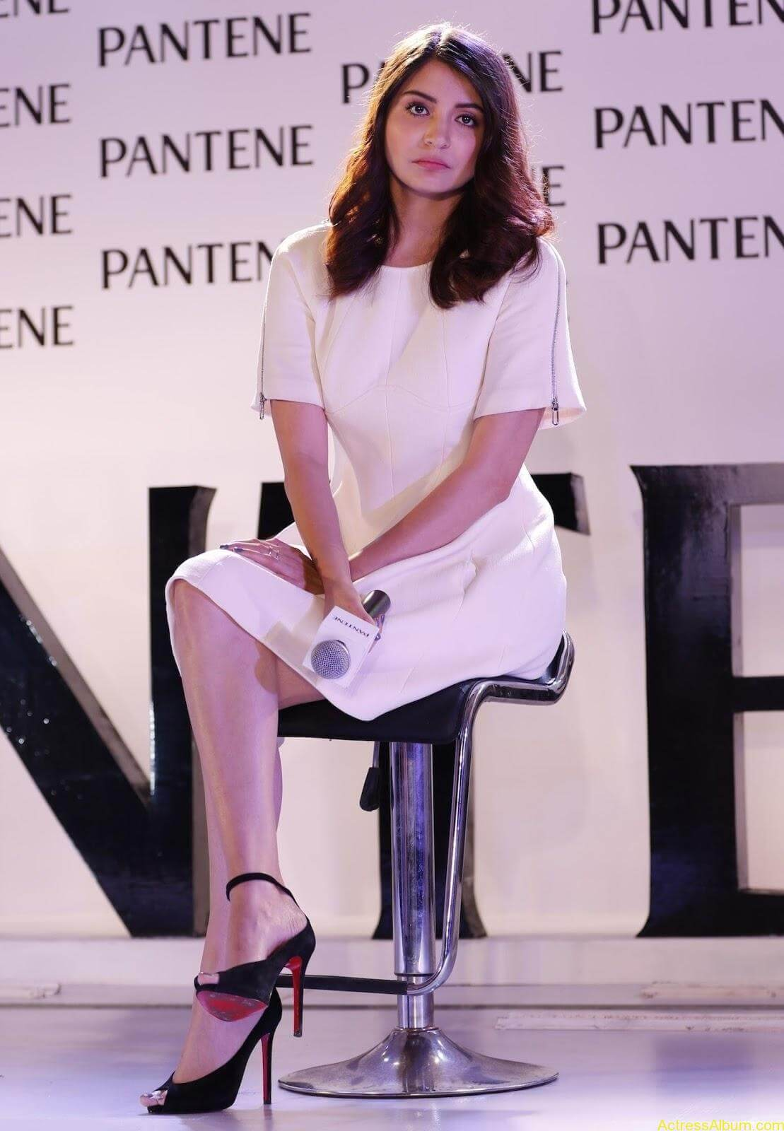 Anushka-Sharma-Latest-Stills-At-Pantene-Best-Ever-Launch-4