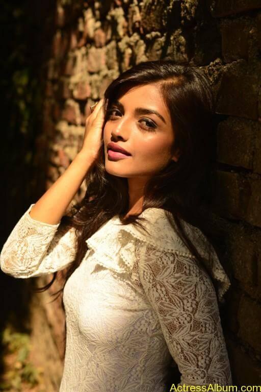 ashna-zaveri-latest-photoshoot-stills-1