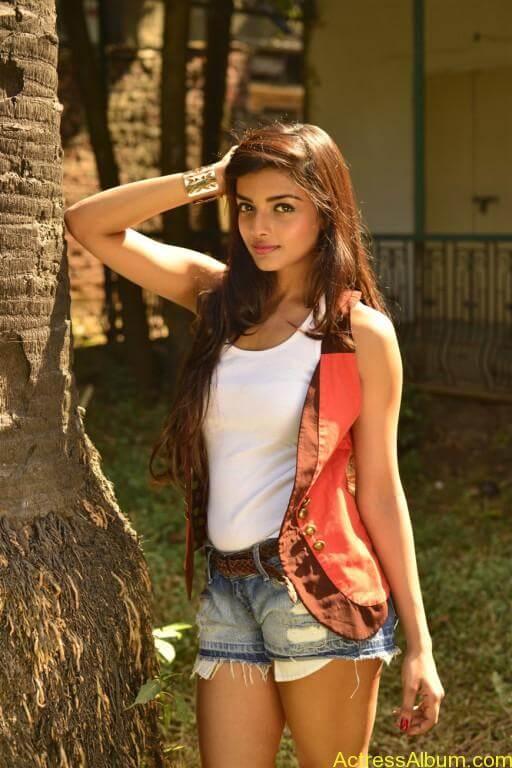 ashna-zaveri-latest-photoshoot-stills-7