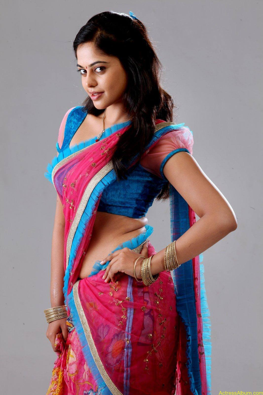 Bindu-Madhavi-Latets-Photo-Shoot-half-saree-photos-4