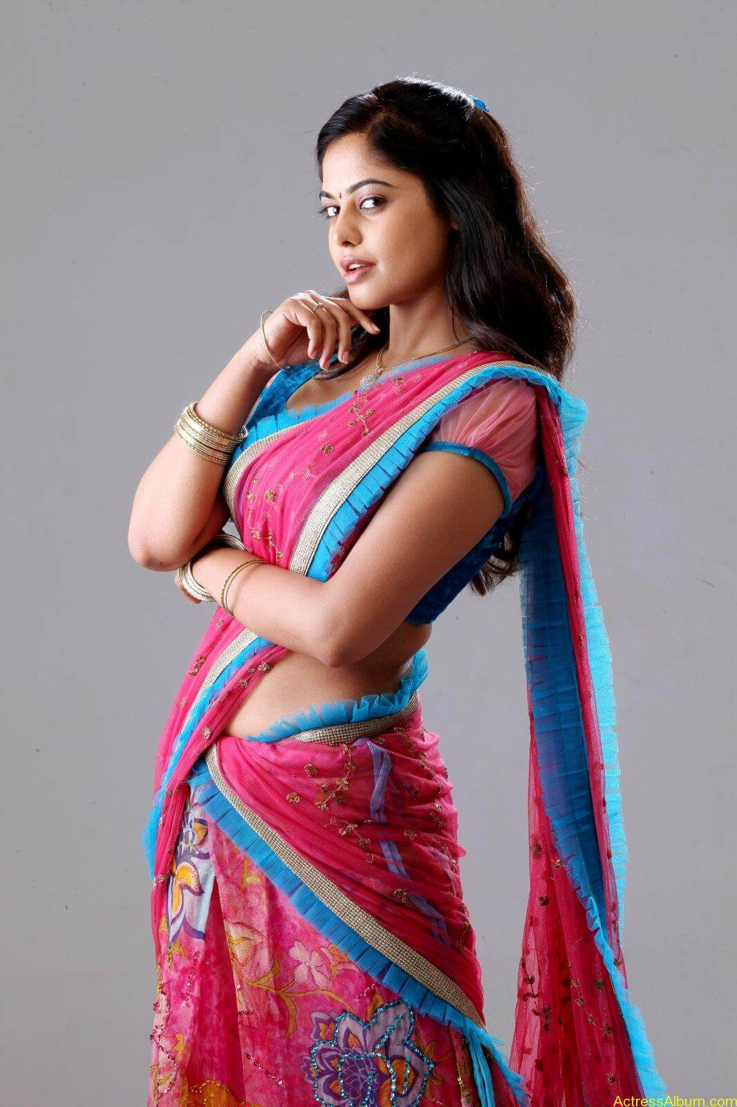 Bindu-Madhavi-Latets-Photo-Shoot-half-saree-photos-5