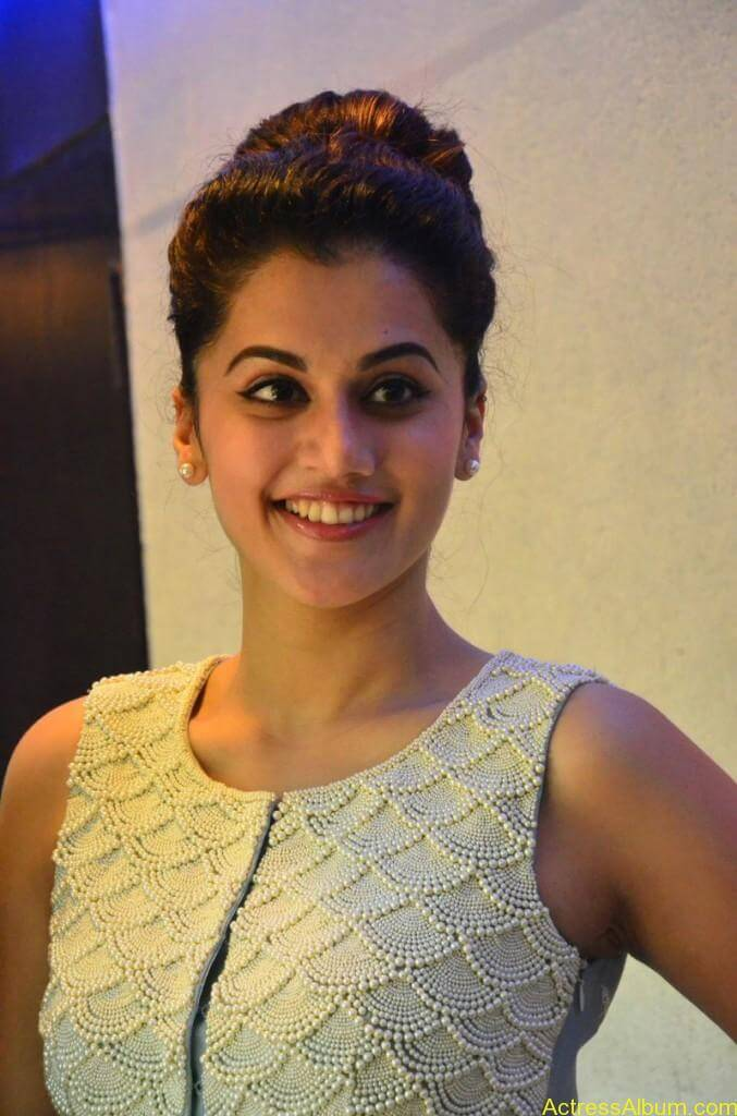 Bollywood Actress Tapsee Hot Photos - 13