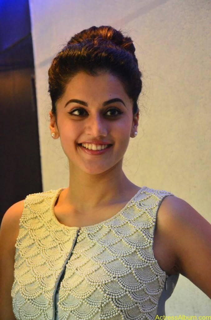 Bollywood Actress Tapsee Hot Photos - 13