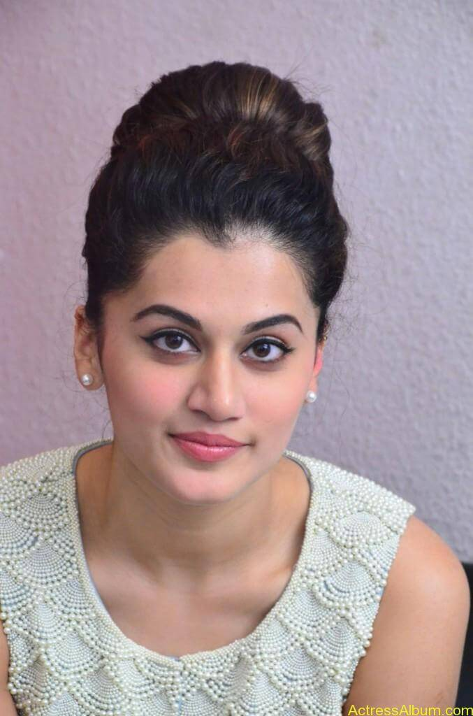 Bollywood Actress Tapsee Hot Photos - 2