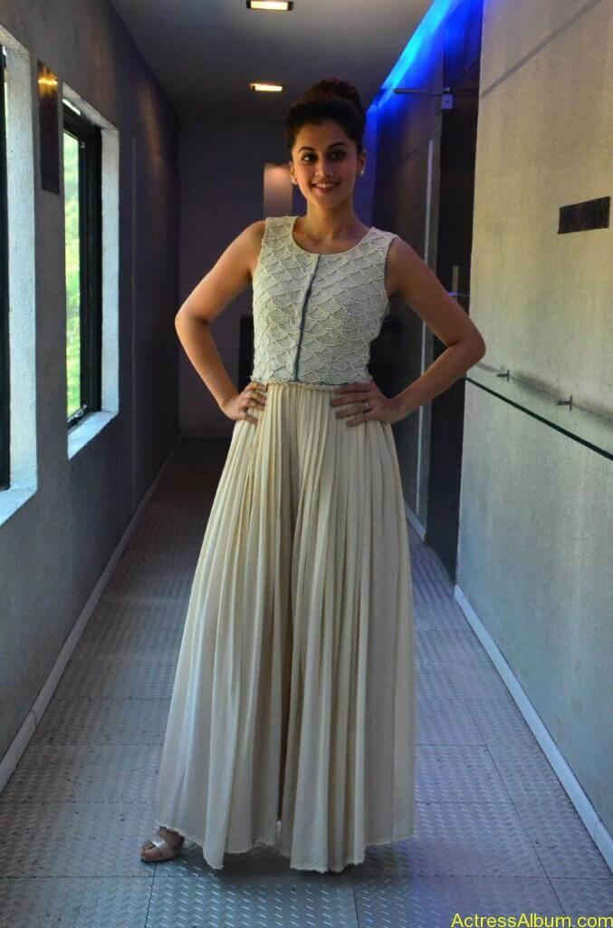 Bollywood Actress Tapsee Hot Photos - 3