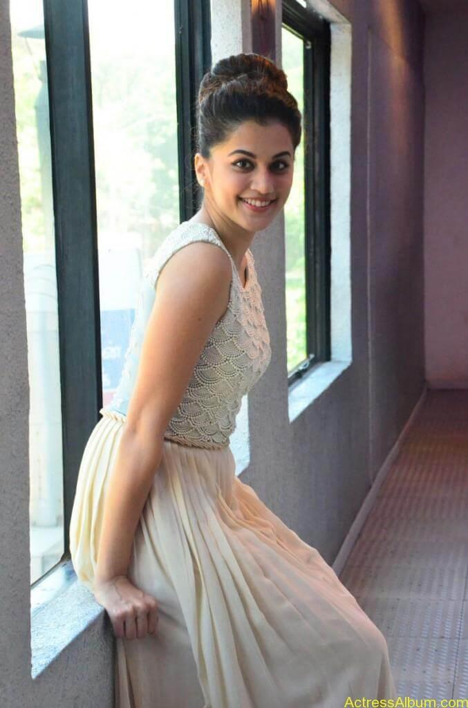 Bollywood Actress Tapsee Hot Photos - 5