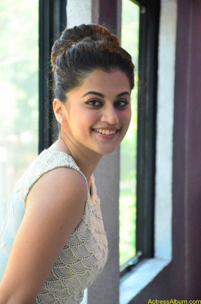 Bollywood Actress Tapsee Hot Photos - 6