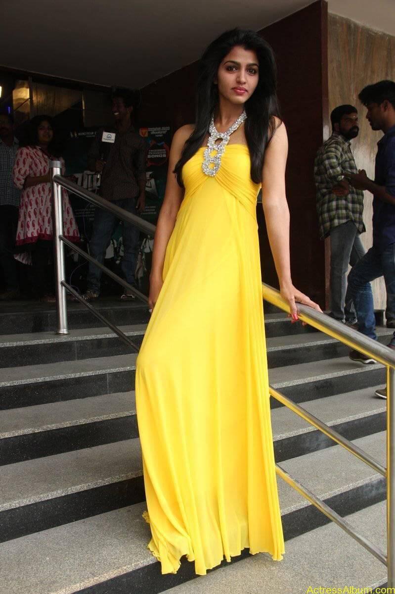 Dhansika-Stills-At-Vizhithiru-Movie-Audio-Launch-07