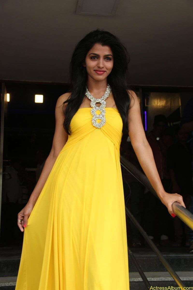 Dhansika-Stills-At-Vizhithiru-Movie-Audio-Launch-12