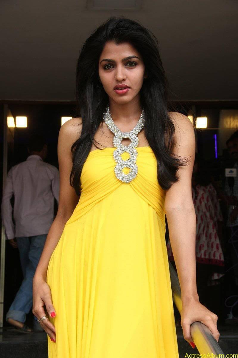 Dhansika-Stills-At-Vizhithiru-Movie-Audio-Launch-15