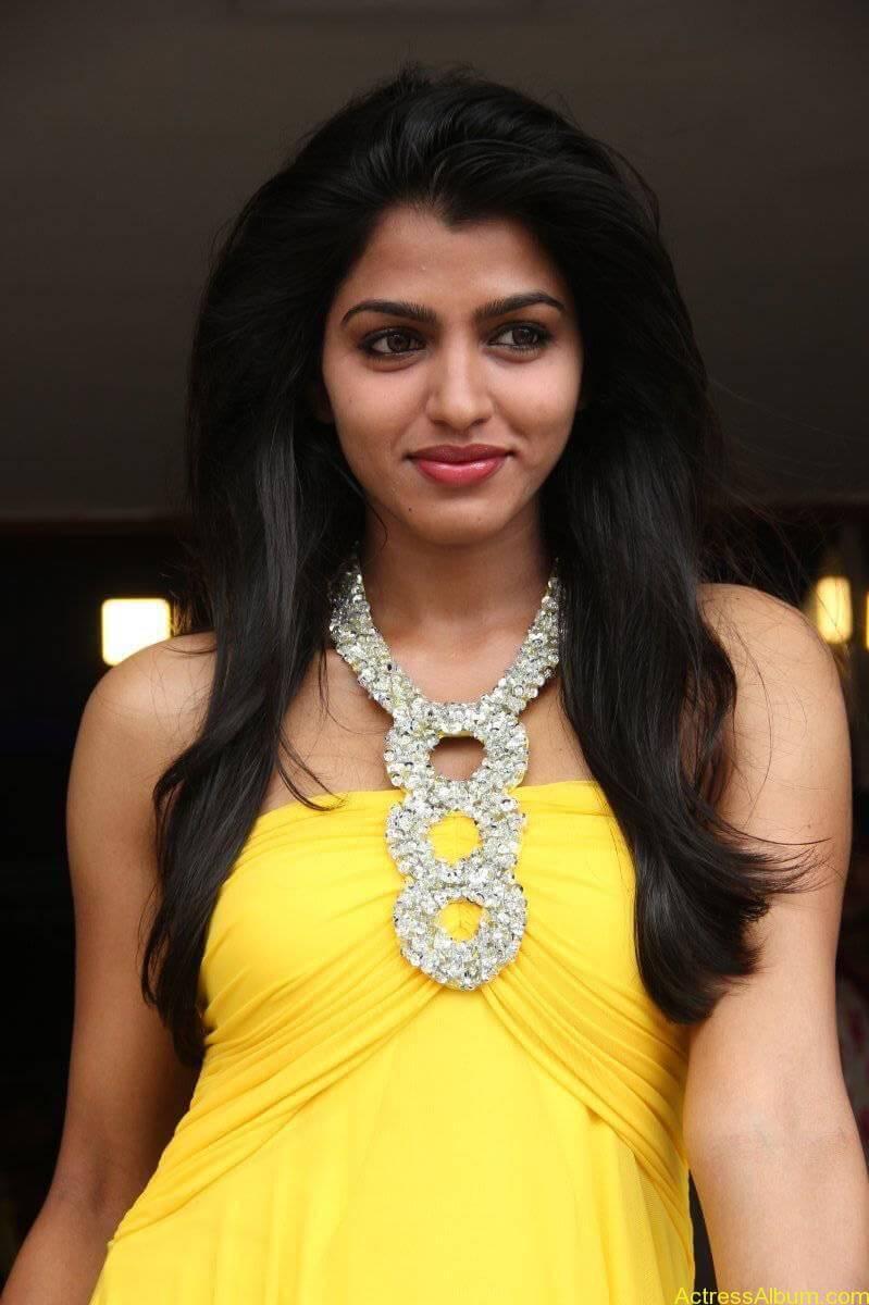 Dhansika-Stills-At-Vizhithiru-Movie-Audio-Launch-17