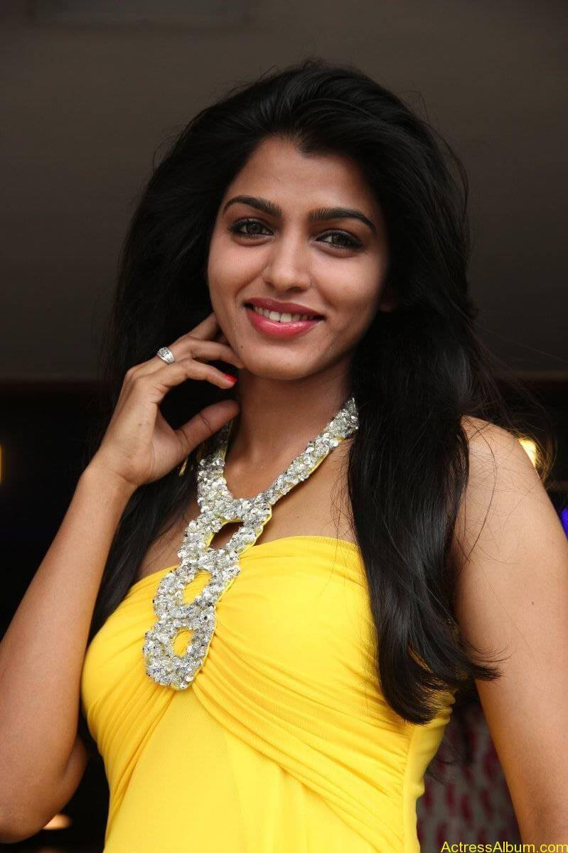 Dhansika-Stills-At-Vizhithiru-Movie-Audio-Launch-18