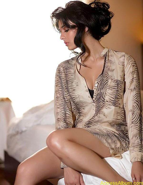 ESPN Anchor Mayanti Hot Photo Shoot Photos (4)