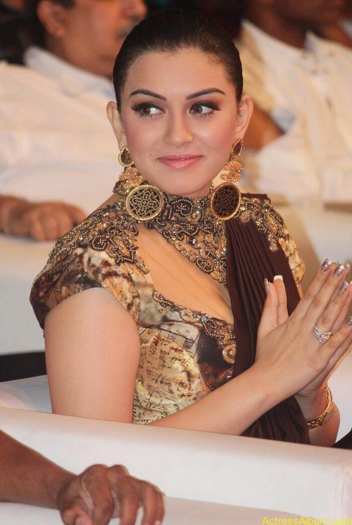 Hansika-Motwani-Stills-At-Puli-Movie-Audio-Launch-5