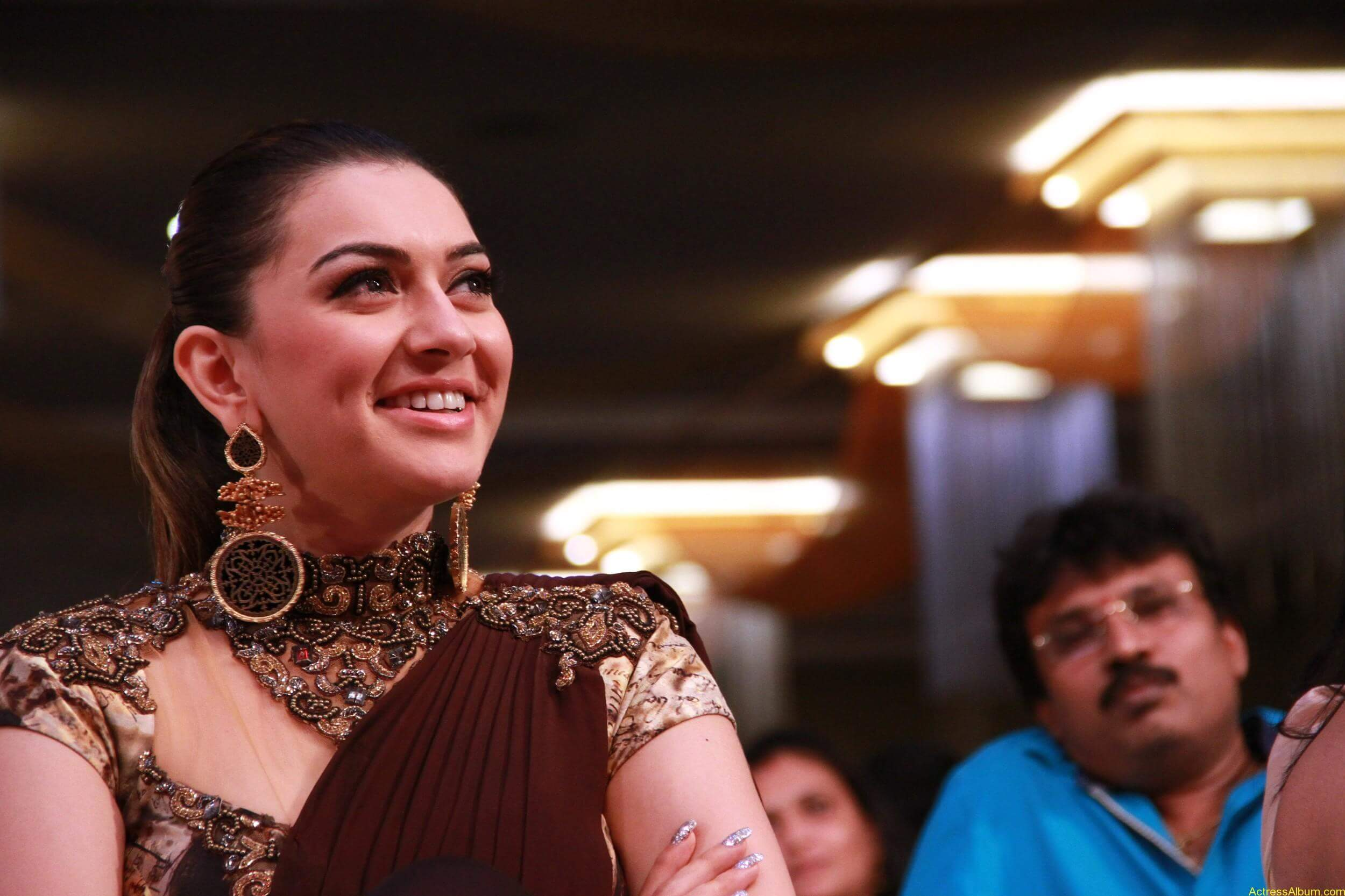 Hansika-Motwani-Stills-At-Puli-Movie-Audio-Launch-8